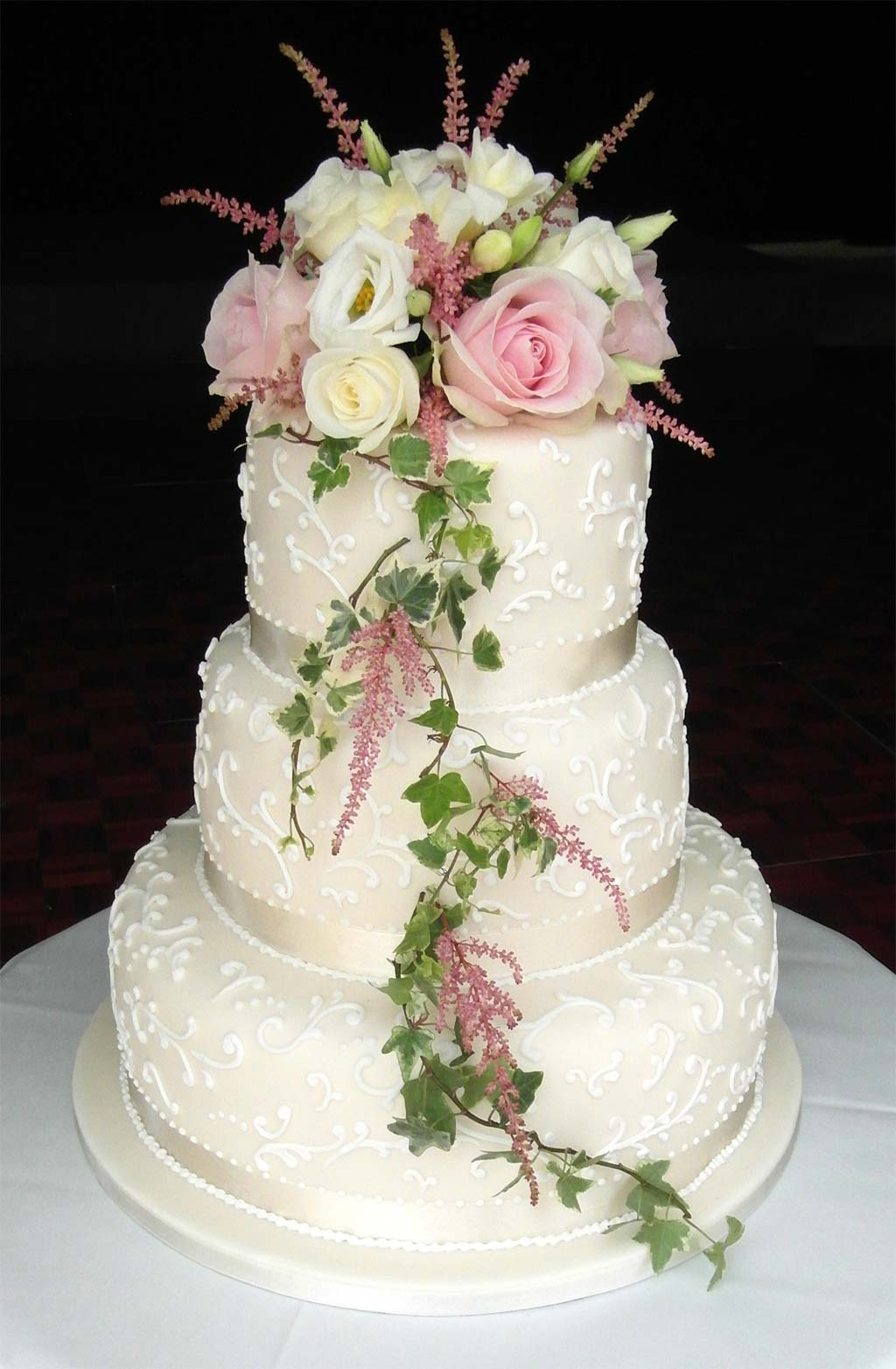 wedding cake with flowers on the side lace wedding cake with fresh flowers hardy 26884